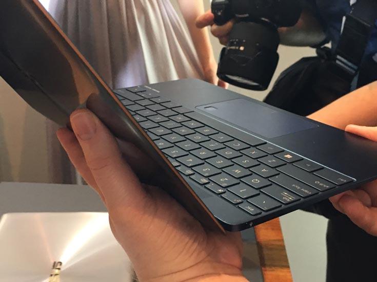 Картинки с выставки: ультратонкий ноутбук Asus ZenBook 3 на Computex 2016